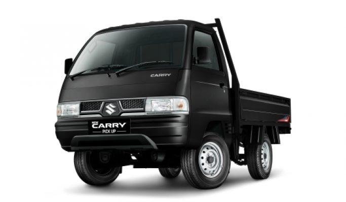 Gambar mobil Suzuki Carry Pick Up berwarna hitam dilihat dari sisi depan