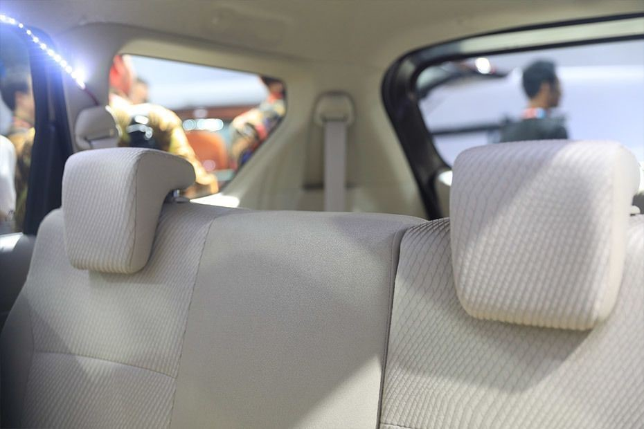 Gambar bagian kursi mobil Suzuki Ertiga 2018