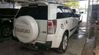 Jual Mobil Suzuki Grand Vitara 2.4 2011
