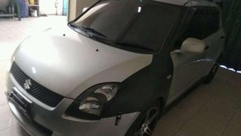 Mobil Suzuki Swift ST 2010 dijual, Jawa Timur