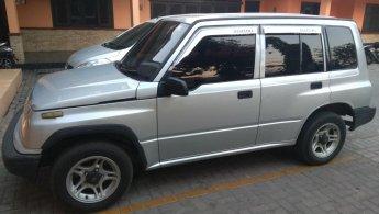 Jual cepat Suzuki Sidekick 1.6 2001 mobil bekas di Jawa Timur