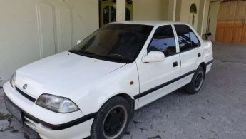Suzuki Esteem 1995