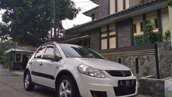 Jual mobil Suzuki SX4 X-Over 2010 bekas di Jawa Barat