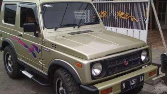 Jual mobil bekas murah Suzuki Katana GX 2000 di Jawa Timur
