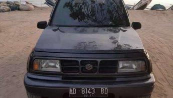 Jual Mobil Suzuki Escudo 2000