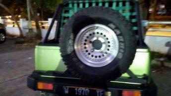 Jual Mobil Suzuki Jimny 1983