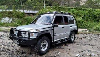 Jual Mobil Suzuki Escudo 4x4 2001
