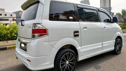 Jual Suzuki APV Luxury 2015 mobil bekas murah