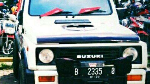 Suzuki Jimny 5 MT 1993