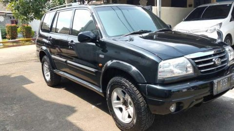 Jual Mobil Suzuki Escudo V6 2.5 Automatic 2003