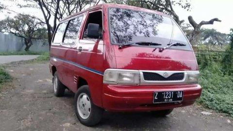Jual Mobil Suzuki Futura 2000