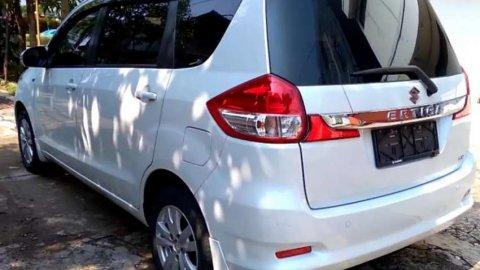 Suzuki Ertiga GX Manual Putih Mutiara 2018 NIK 2017