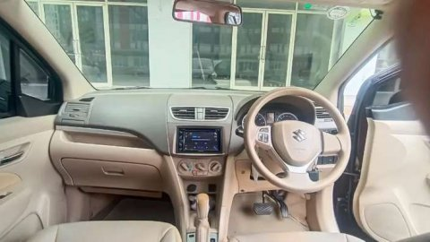 Suzuki ertiga GX Bensin 2015 kinclong
