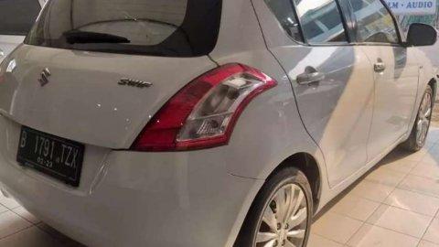 Suzuki Swift Putih (MT) murah!